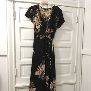 AKIRA wrap dress Large fits like a medium